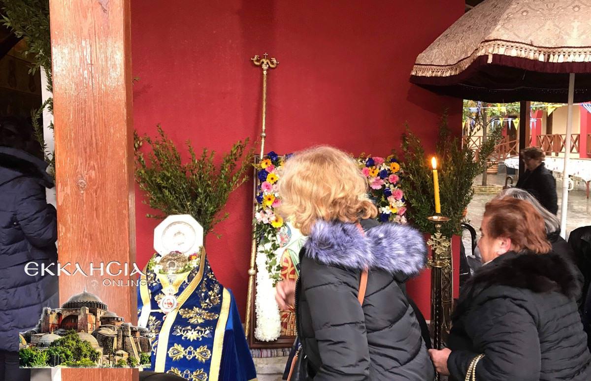 Άγιος Παρθένιος μοναστήρι Μακρυμάλλη Εύβοια Τίμια Κάρα