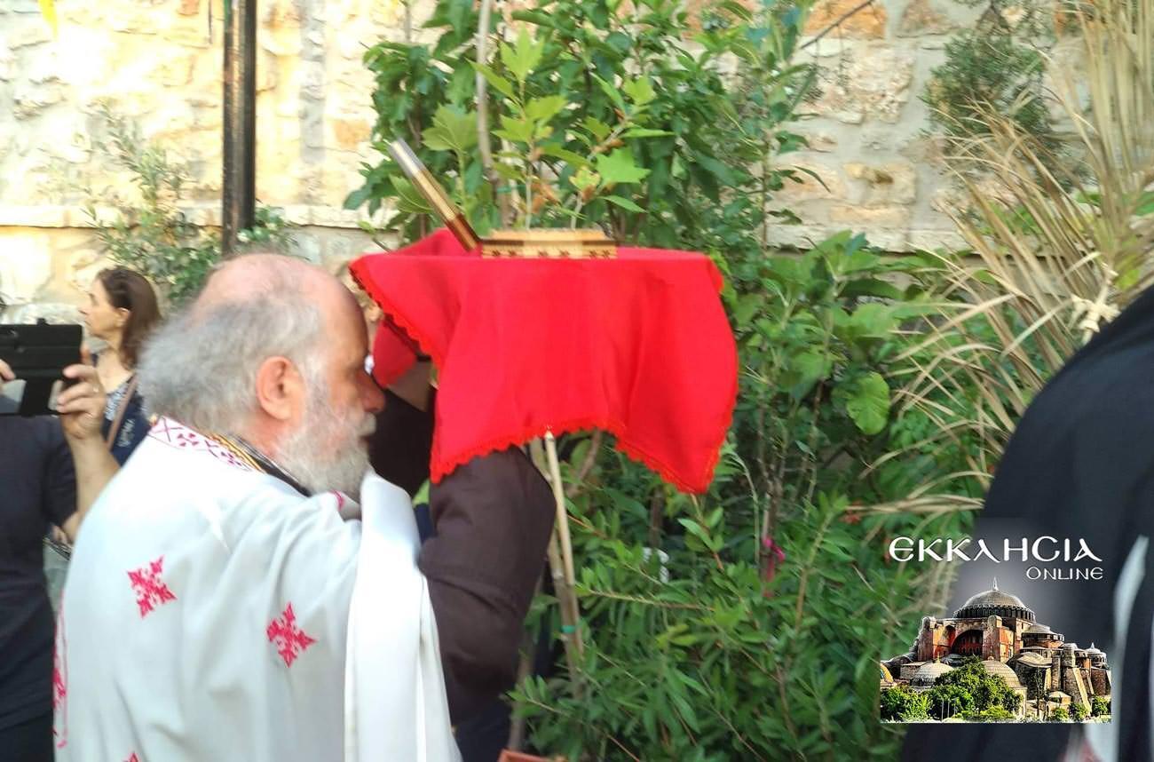 πάτερ Δημήτριος Ιερά Λείψανα Αγίου Ιούδα Θαδδαίου