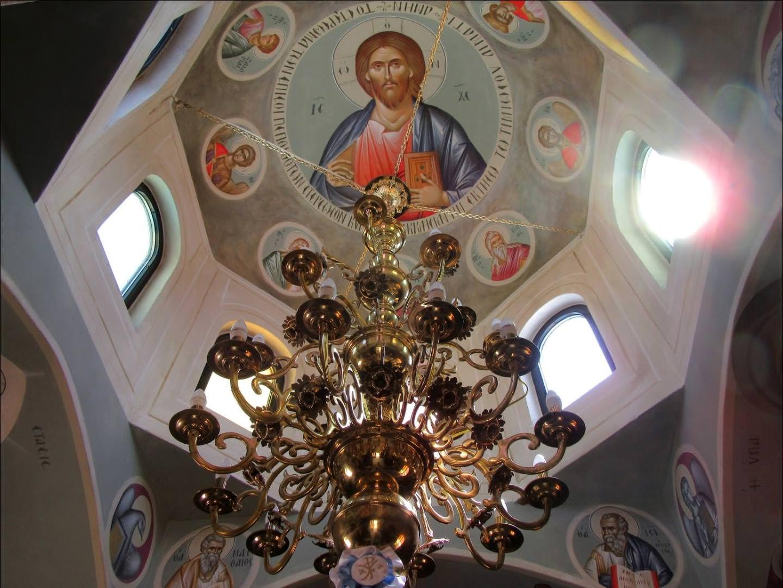 Ιερός Ναός Αγίου Ιούδα Θαδδαίου Λαυρίου εσωτερικό