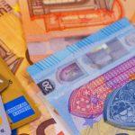 euros πληρωμές συντάξεων μετρητά κάρτες