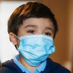 Κορωναϊός μάσκα παιδιά κρούσματα