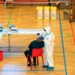 Κοροναϊός test στολή γιατρός