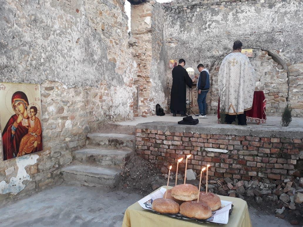 Εκκλησία Αλβανίας Ευχέλαιο