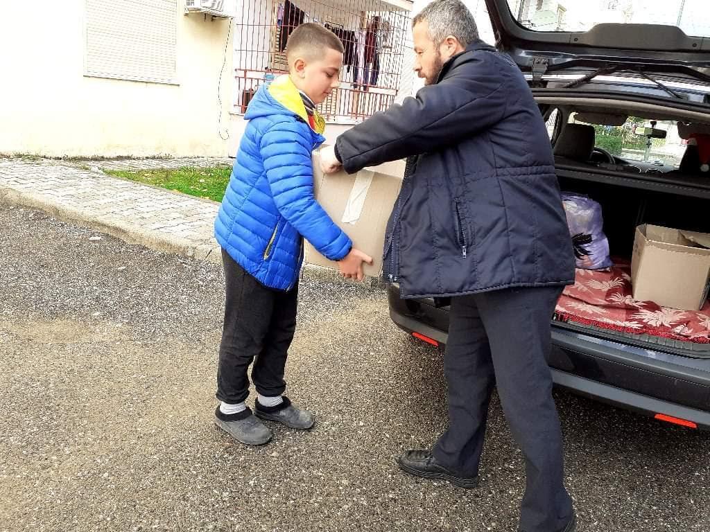 Εκκλησία Αλβανίας παιχνίδια παιδιά