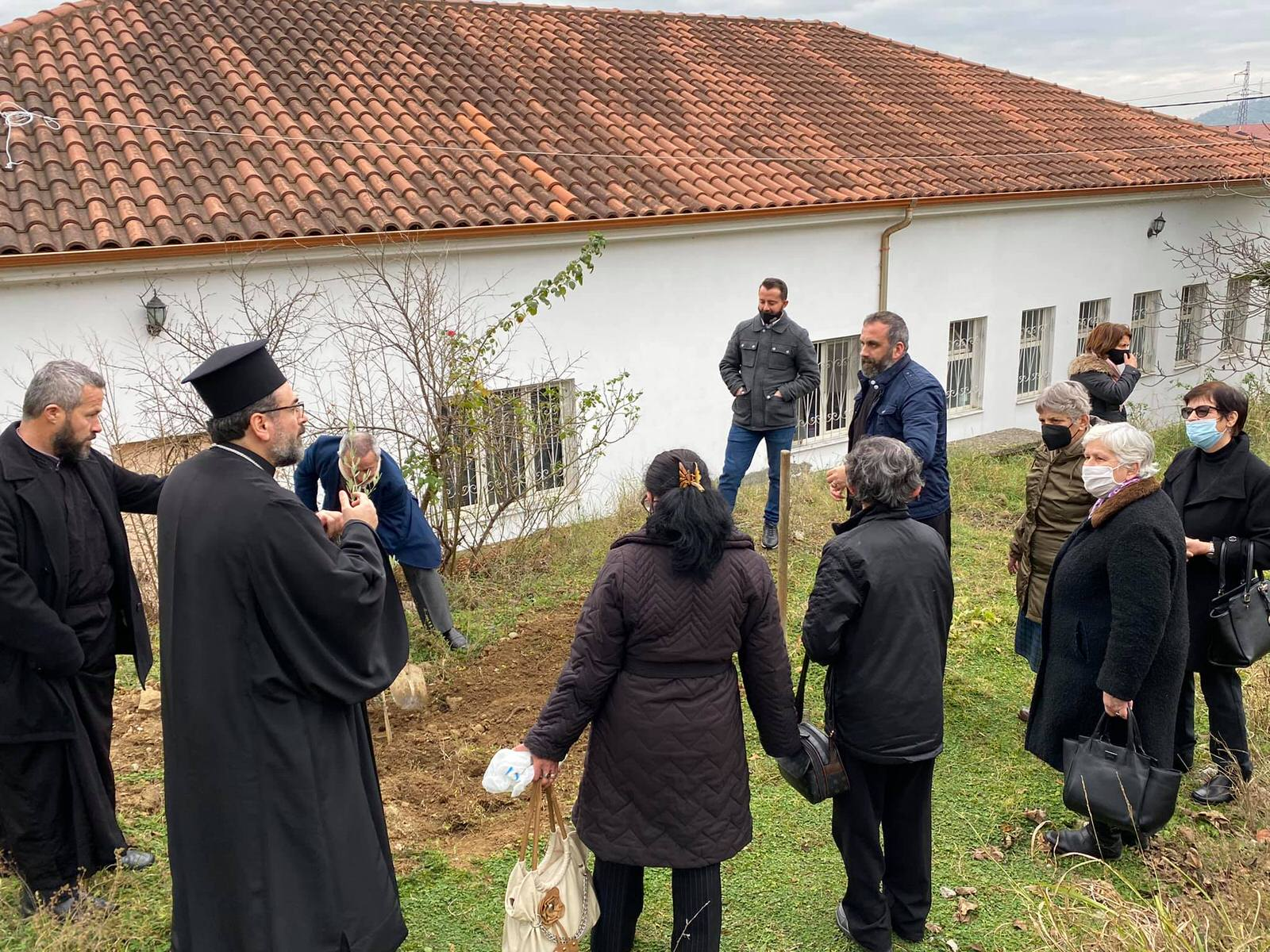 Μητροπολίτης Ελμπασάν Αντώνιος Δενδροφύτευση Αλβανία Χριστούγεννα 2020