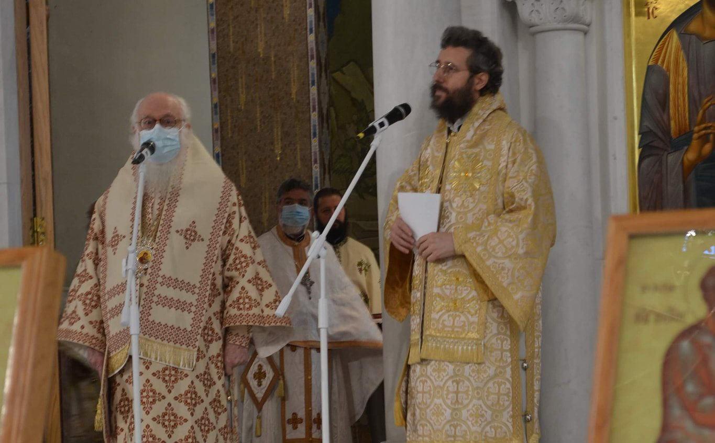 Αρχιεπίσκοπος Αναστάσιος τέλεσε τη χριστουγεννιάτικη λειτουργία στα Τίρανα