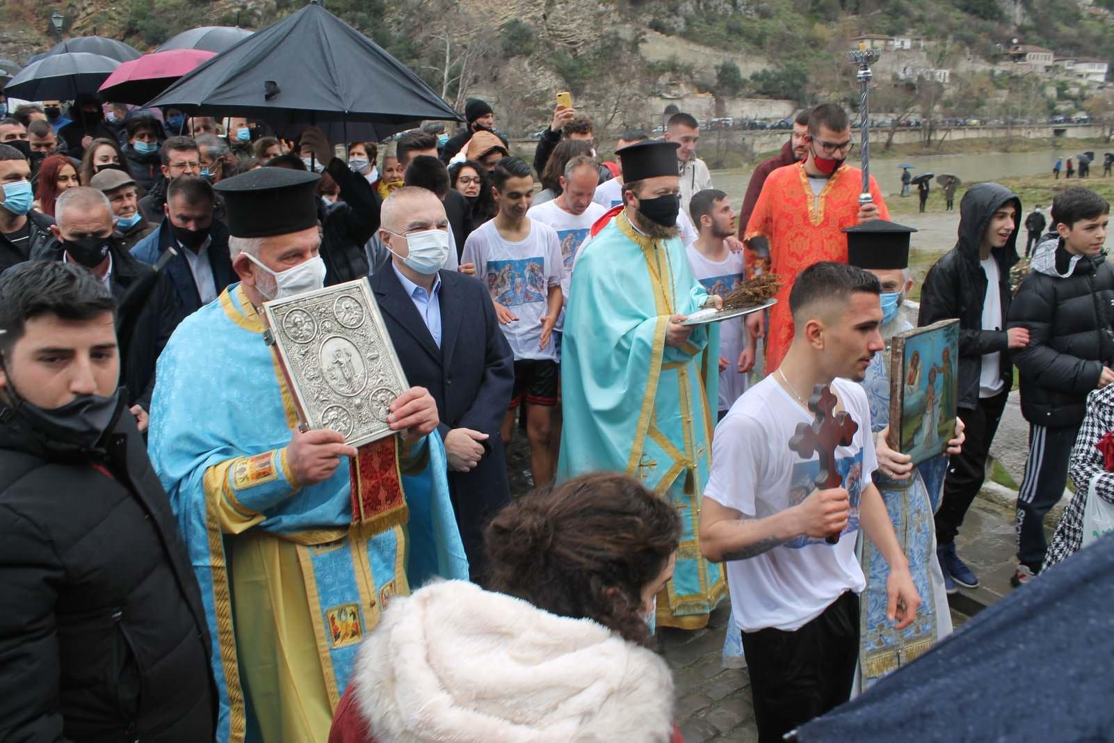 Κατάδυση του Τιμίου Σταυρού στο Μπεράτι Αλβανίας 2021