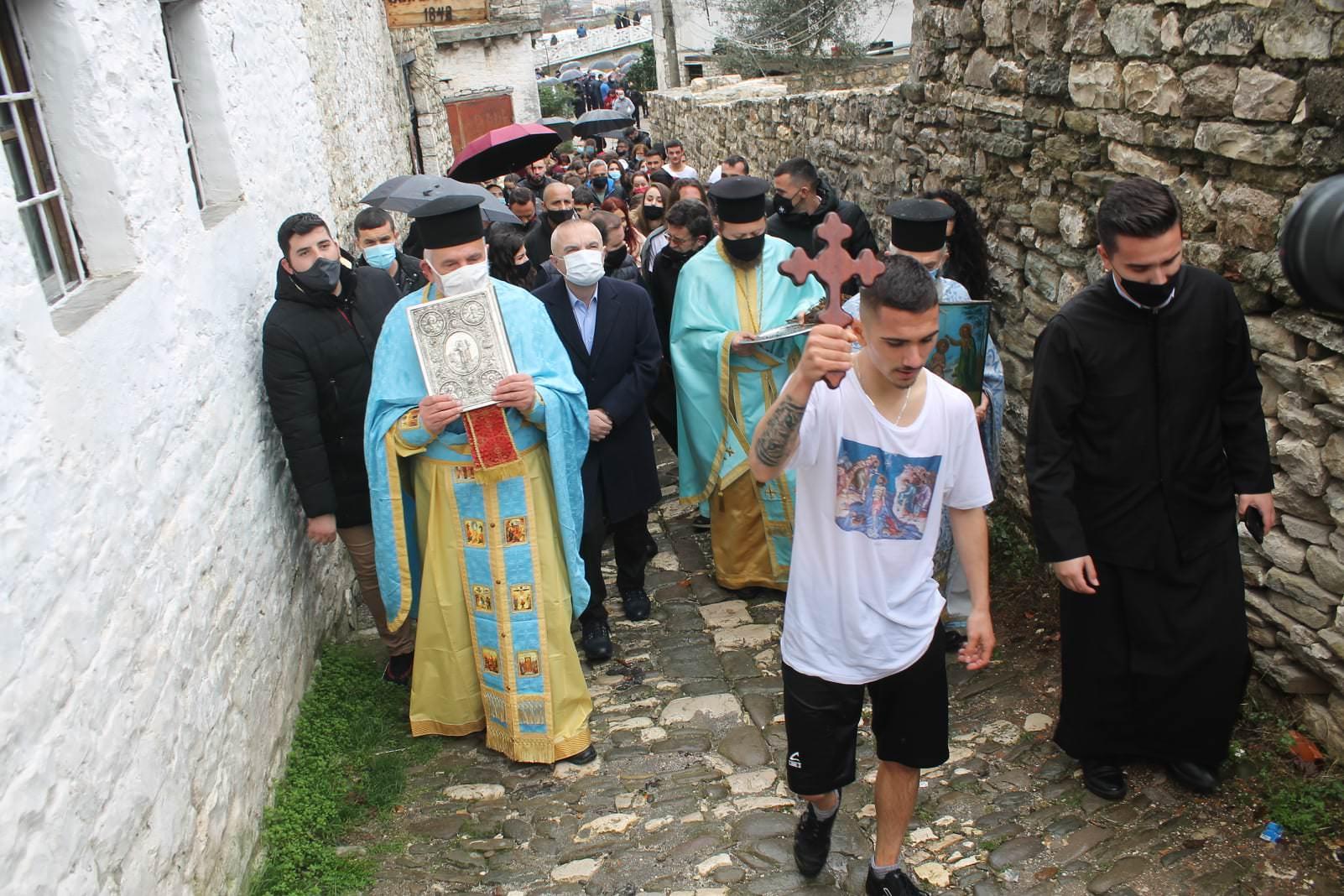 Φώτα 2021 Κατάδυση του Τιμίου Σταυρού στο Μπεράτι Αλβανίας