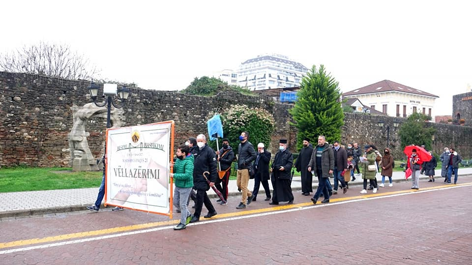 Πορεία για ειρήνη και αδελφοσύνη από τις θρησκείες στο Ελμπασάν