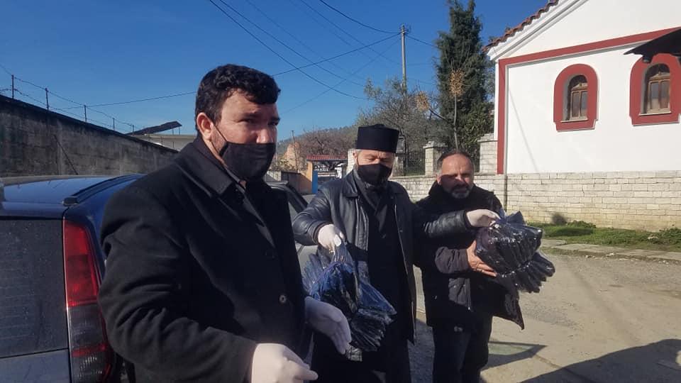 Τρόφιμα και ρούχα μοιράστηκαν στους κατοίκους απομακρυσμένου και φτωχού χωριού της Αλβανίας από την Ορθόδοξη Εκκλησία