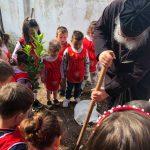 Παιδάκια φύτεψαν δενδράκια σε εκκλησία