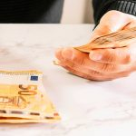 επιδόματα πληρωμή euros