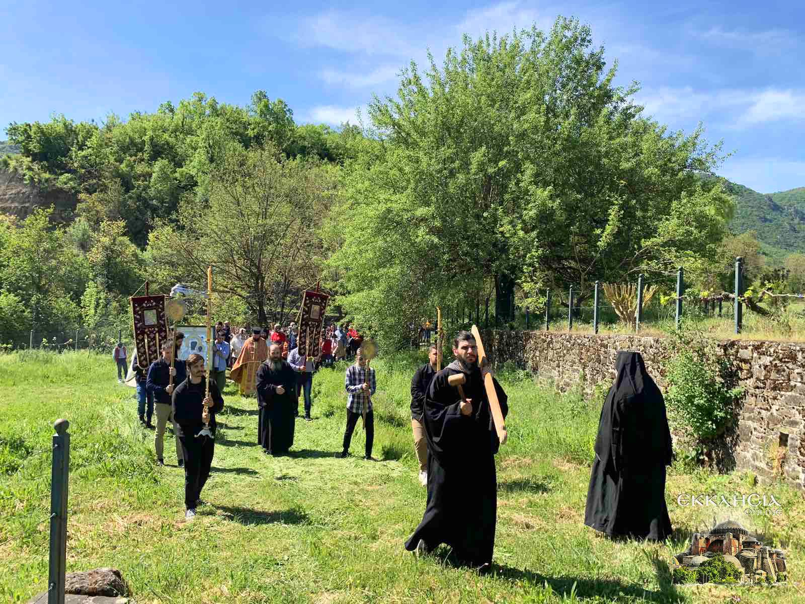 Λιτανεία θαυματουργής εικόνας της Παναγίας στα Ελληνοαλβανικά σύνορα