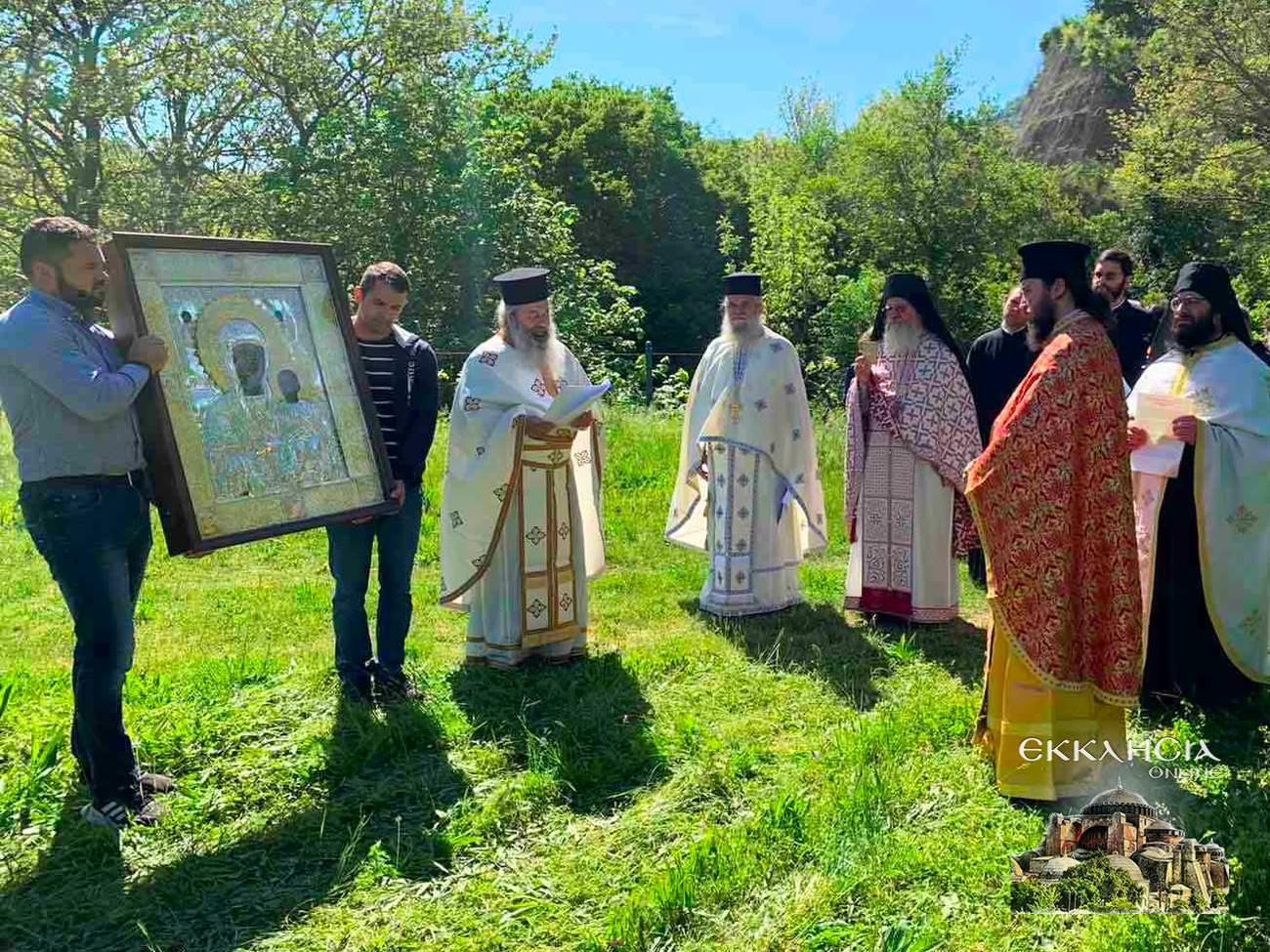 Λιτανεία εικόνας της Παναγίας στα Ελληνοαλβανικά σύνορα