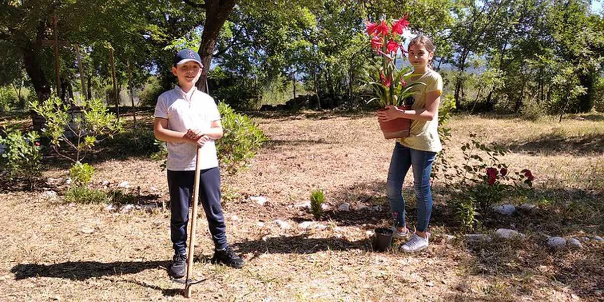 Διαγωνισμός λουλουδιών για παιδιά Μητρόπολη Αργυροκάστρου