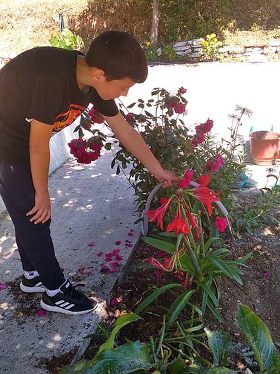 Διαγωνισμός λουλουδιών για παιδιά στην Ιερά Μητρόπολη Αργυροκάστρου