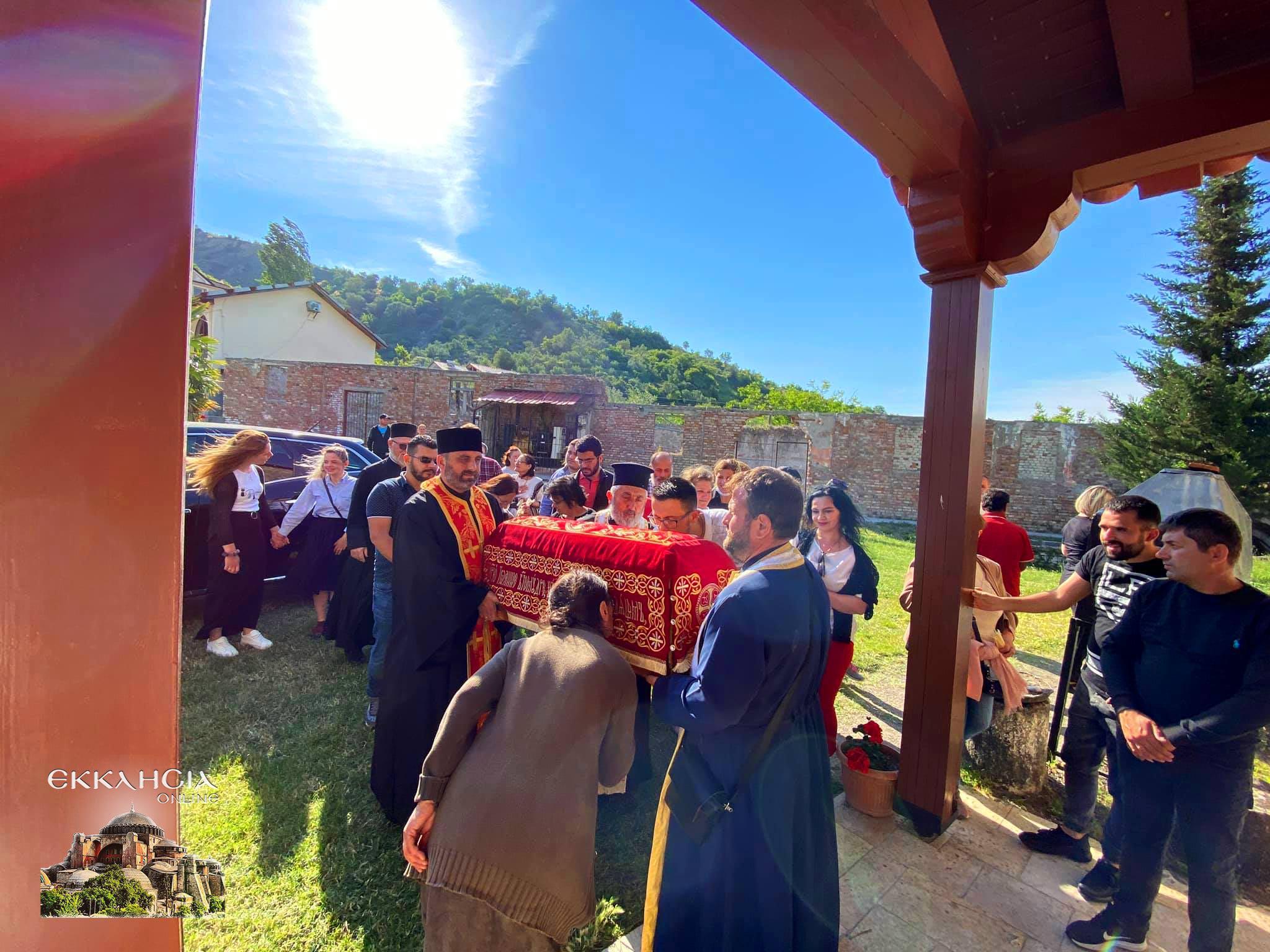 Προσκύνησαν τα θαυματουργά λείψανα του αγίου Ιωάννου του Βλαδιμήρου