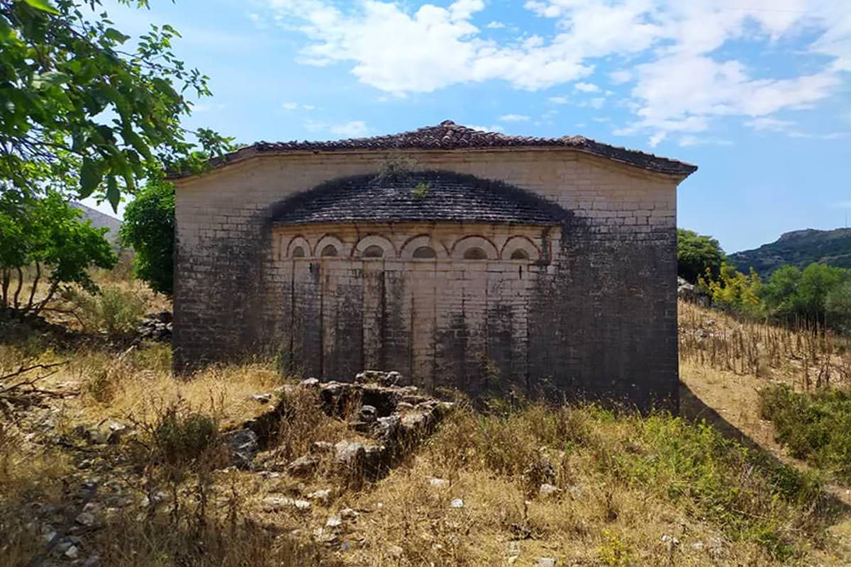 Ορθόδοξο Μοναστήρι στα Ριζά των Αγίων Σαράντα Μάλτσιανη