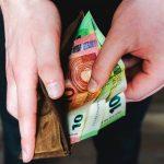 πορτοφόλι μετρητά πληρωμή