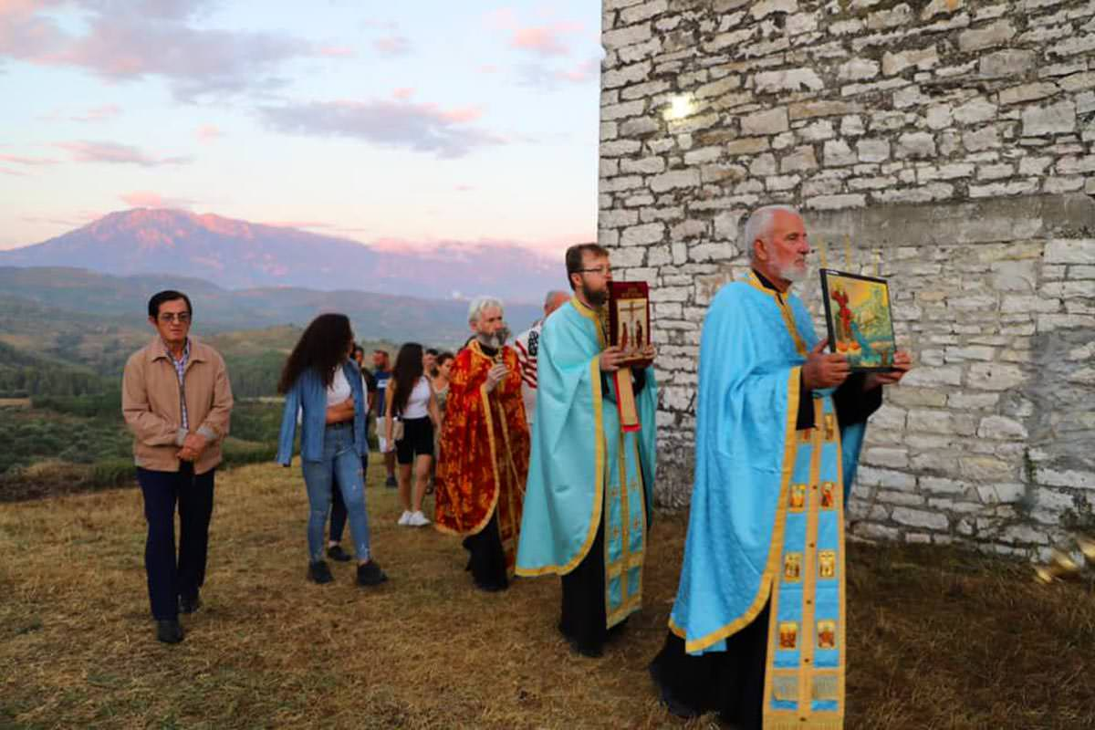 Λιτανεία στον ιστορικό ναό του προφήτη Ηλία Μπερατίου