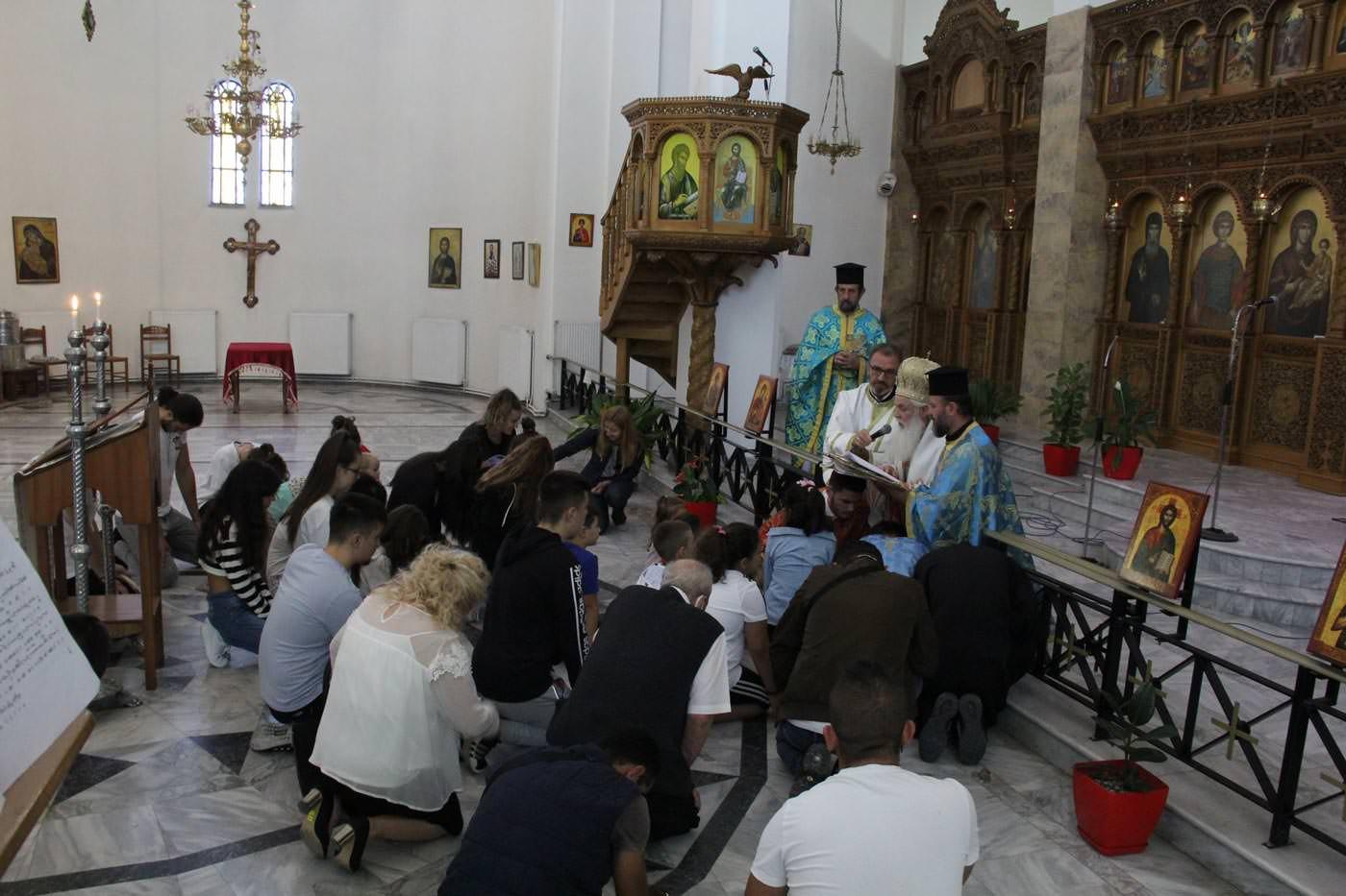 έναρξη της σχολικής περιόδου στην Αλβανία προσευχή μαθητές 2021