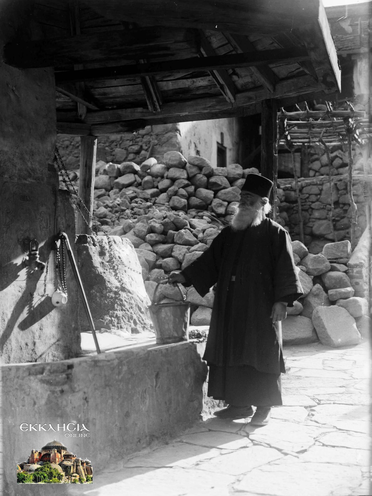 Μοναχοί Ιερά Μονή Σινά